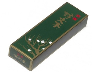 Japanese Incense Sticks | Baieido | Tokusen (Excellent) Kobunboku | 80 Sticks boxed