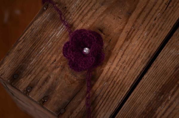 Haarreif aus Angora mit Perle - violett
