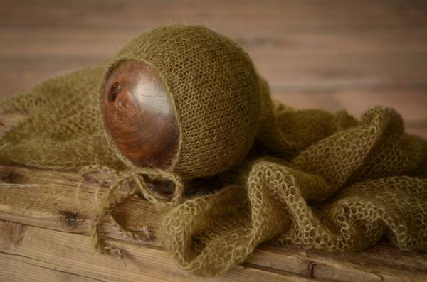 Set Wrap aus Angora mit Mütze in Olivgrün