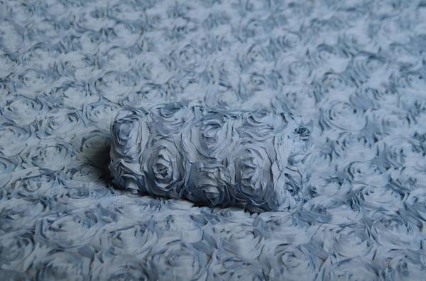 Stoff mit Blumen in Hellblau